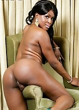 Ebony shemale Takila is a verse bottom that likes to do wild things with her partner. She loves to receive and give oral.